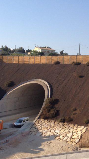 Refuerzo de taludes de falsos túneles