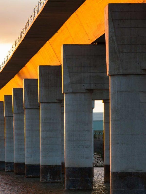 puente sobre agua Ferrovial-Agroman-Construccion