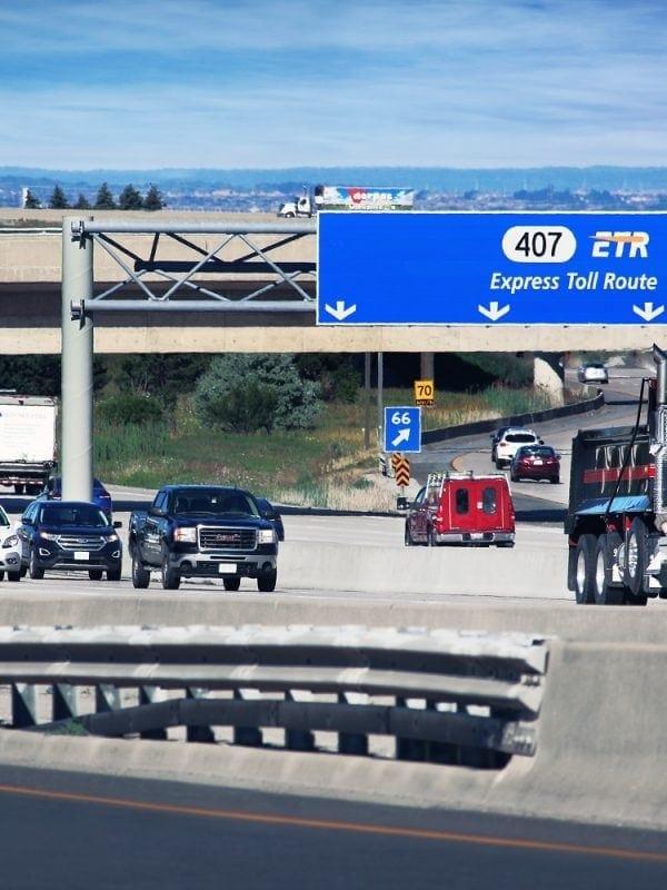 autopista 407 ETR Westbound en Canadá