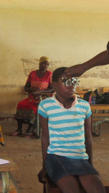 Devolviendo luz a niños de Mozambique