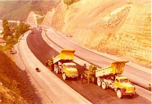 Ferrovial-Agroman-Maquinaria-Camiones-MercedesBenz-Magirus