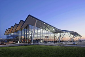 LQTerminal-2-Airport-in-Gdansk-Budimex-Ferrovial