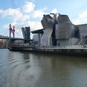 Museo-Guggenheim-Bilbao-construido-por-Ferrovial