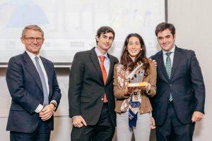 Beatriz-Carretie-Jorge-Carretie-y-Juan-Carlos-Fdez-Incera-equipo-Acuerdalo.com-IE-school