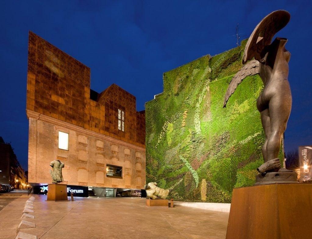 jardin vertical del edificio caixa forum madrid