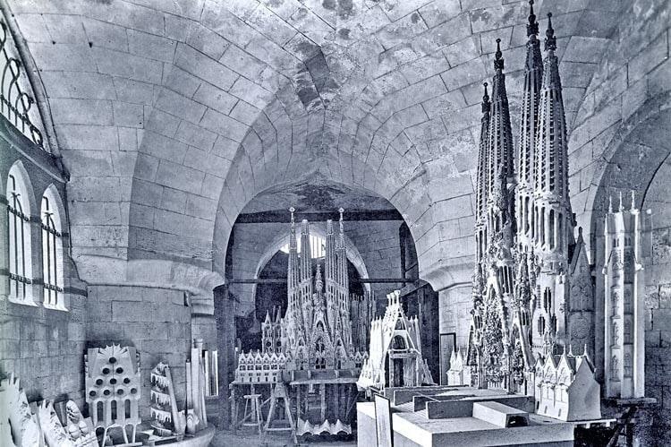 3d arquitectura Gaudi