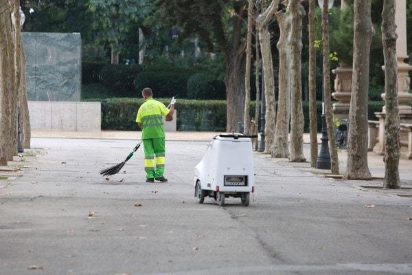 innovacion robot barrendero a1a3 montjuic