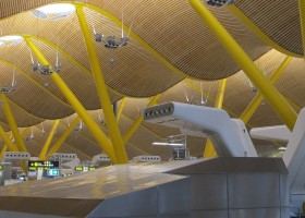 cleaning robots madrid barajas airport terminal 4