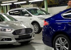 residuos cero - coches de ford en la fabrica