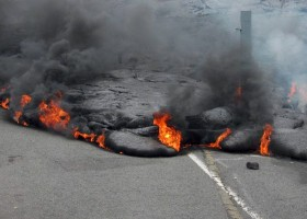 hawaiian vocanoes roads lava