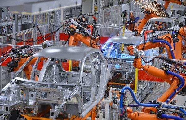 humans-vs-machines-factory