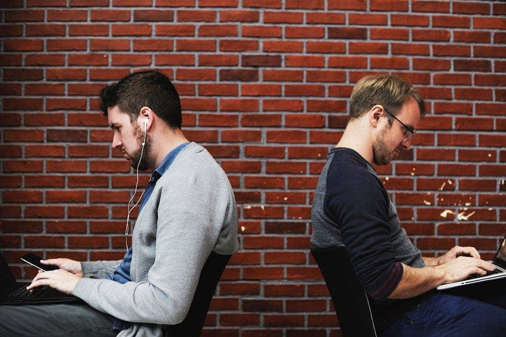 trabajar en equipo a distancia con ordenadores