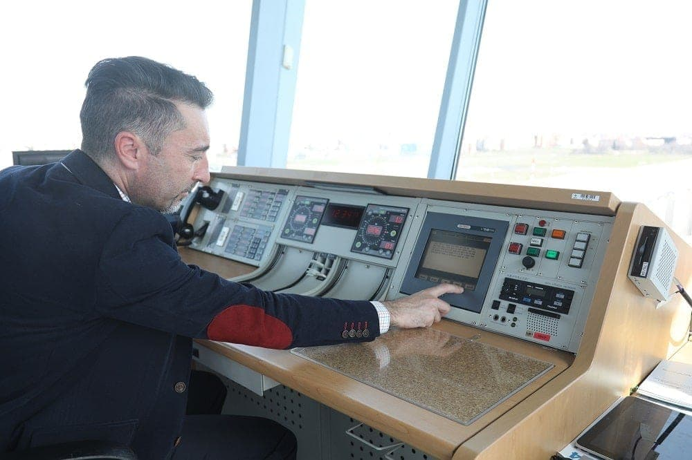air traffic controller alberto varela