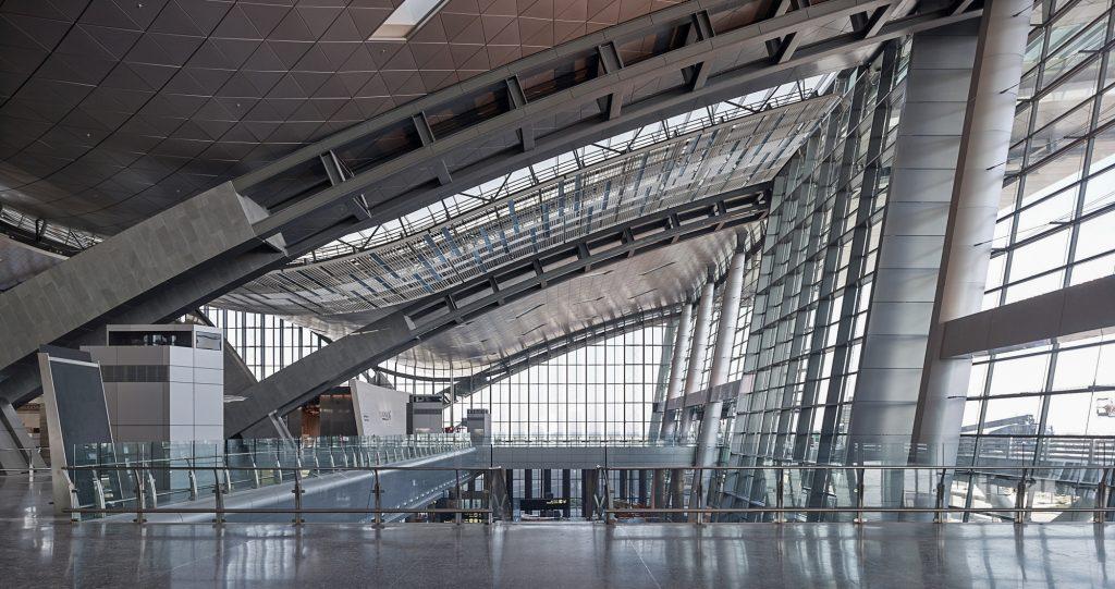 interior de aeropuerto internacional hamad, doha qatar