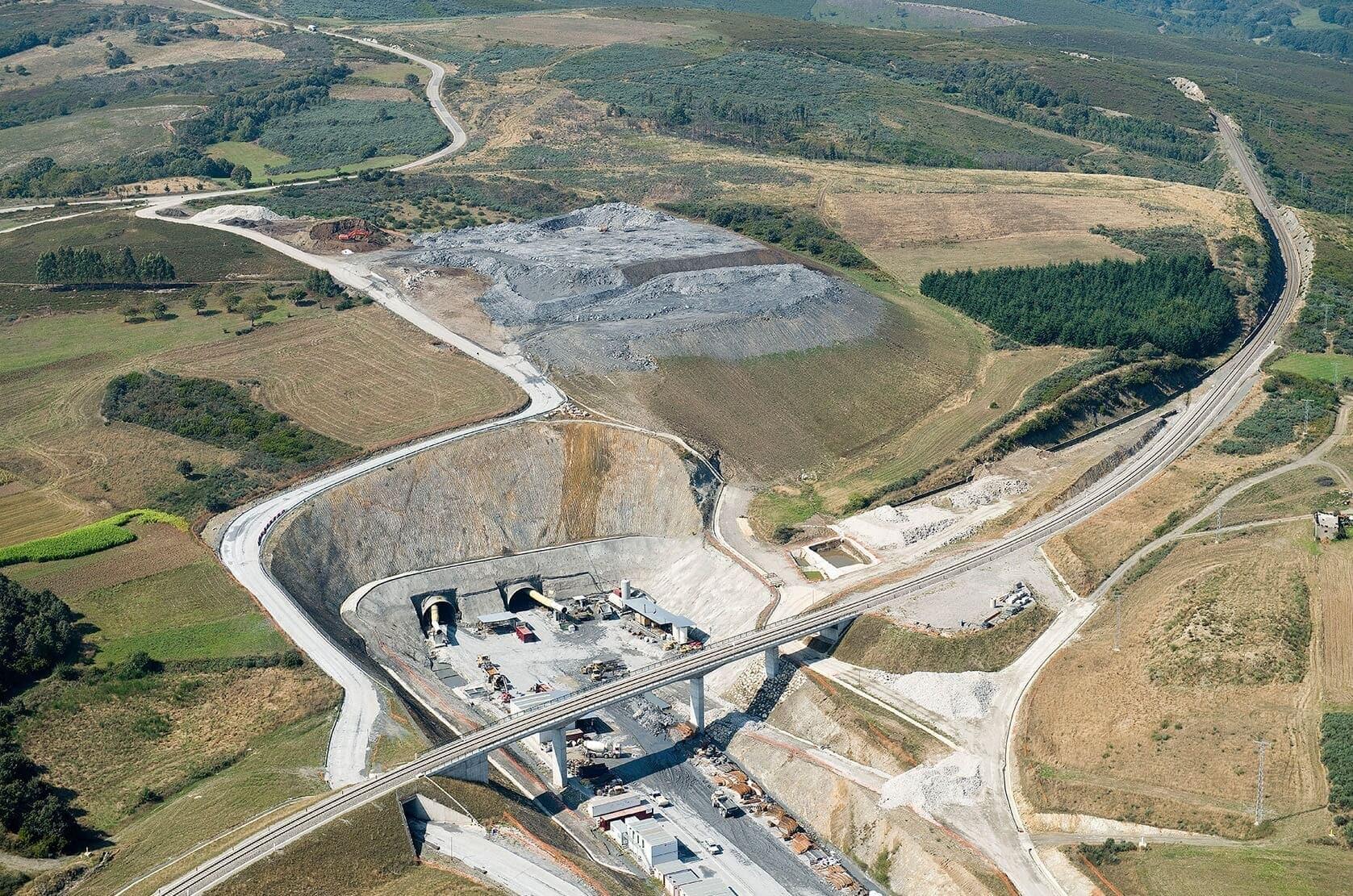 Obras del túnel de Espiño, de la línea de Alta Velocidad Madrid-Galicia
