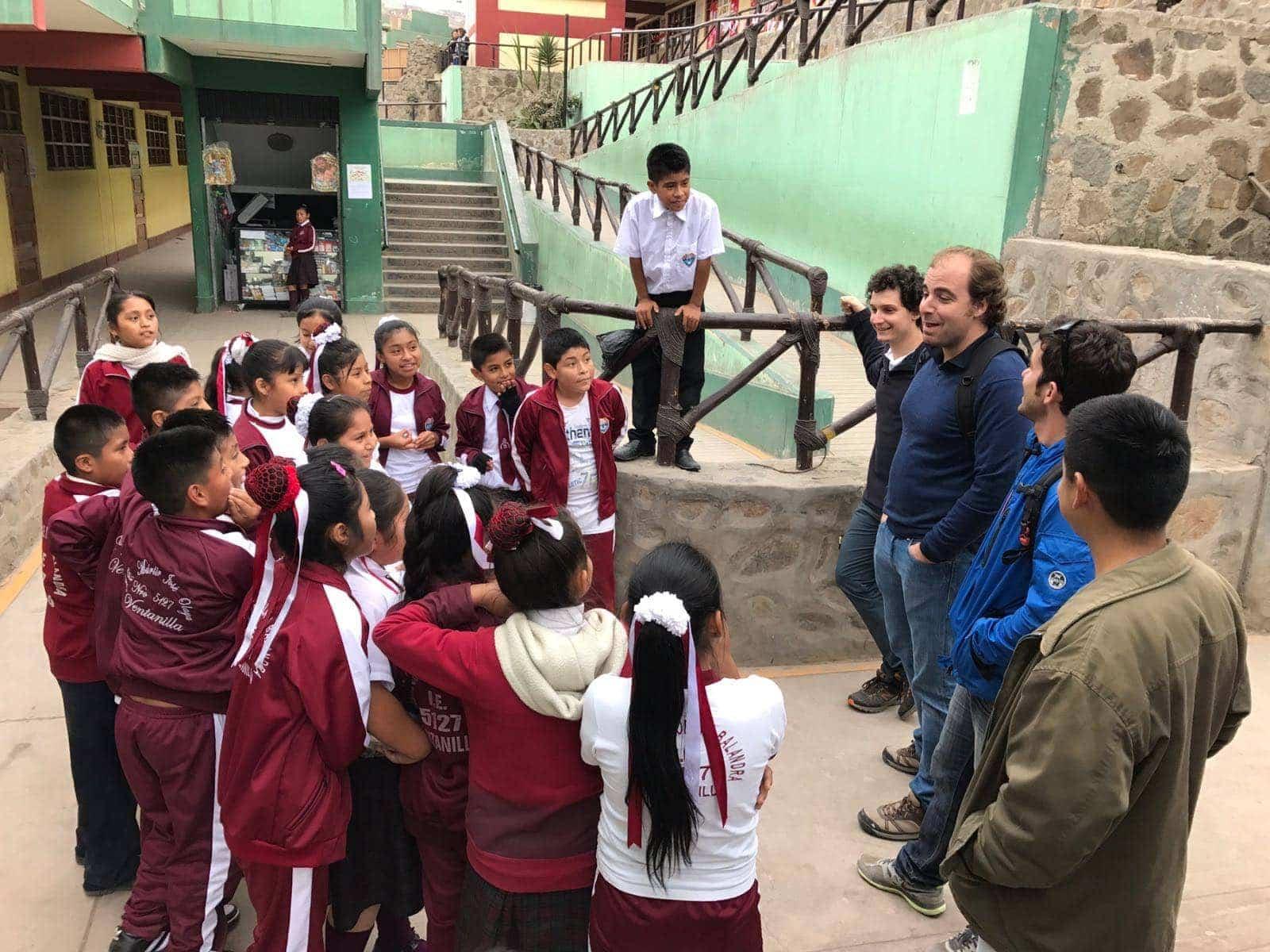 Escuela de Vantanillas en Perú