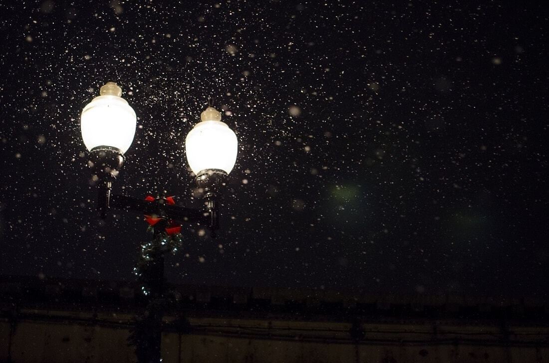 electric streetlights