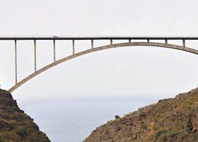 Puentes imposibles tilos