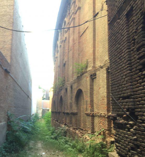 pasillo entre edificios betijai madrid
