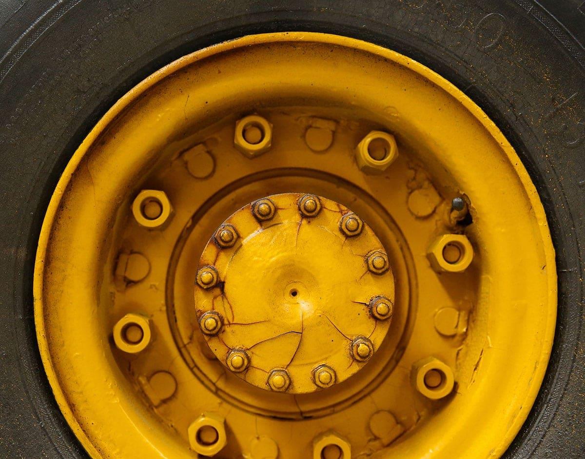 Vulcanización, carreteras y ruedas