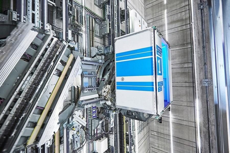 ascensores en diagonal