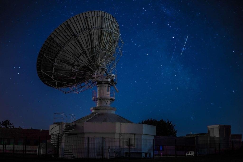 Imagen de un receptor de señal de satélite