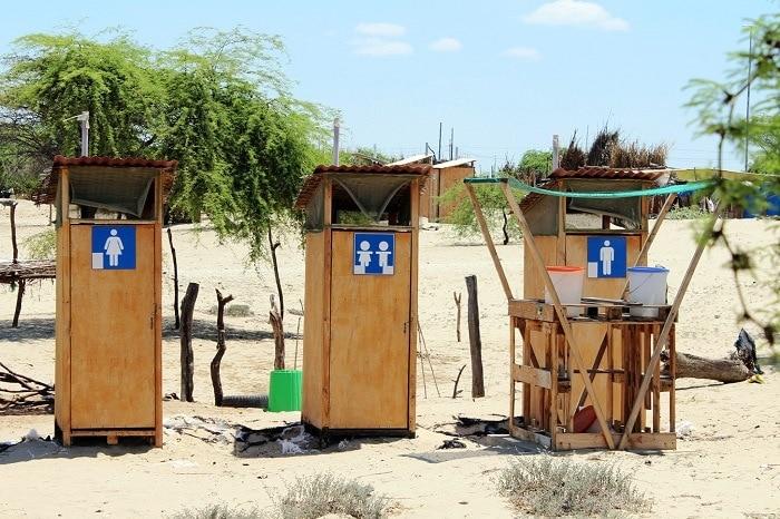 Urinarios públicos al aire libre en Perú