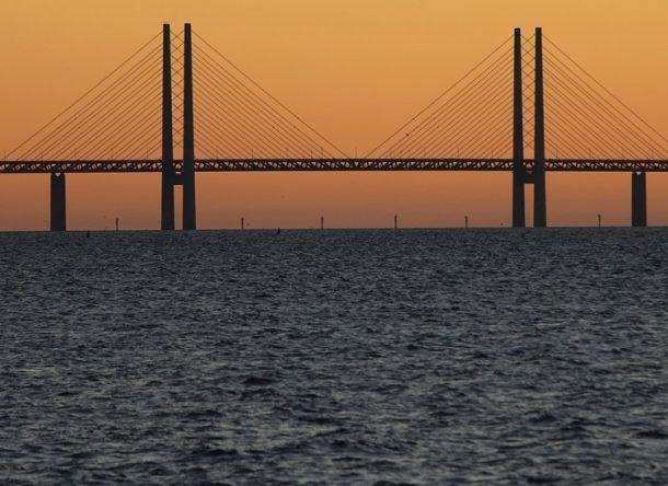 Puente al atardecer