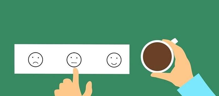 Emoticonos de caras sonriente triste y neutro