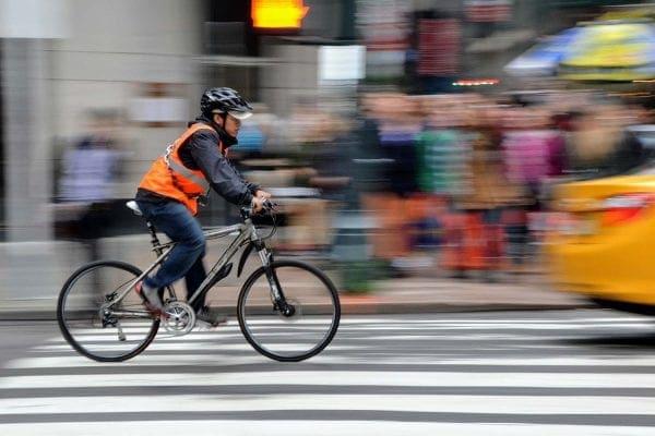 transporte urbano en bicicleta