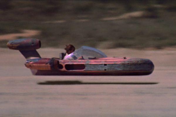 Luke Skywalker a bordo del X-34 landspeeder