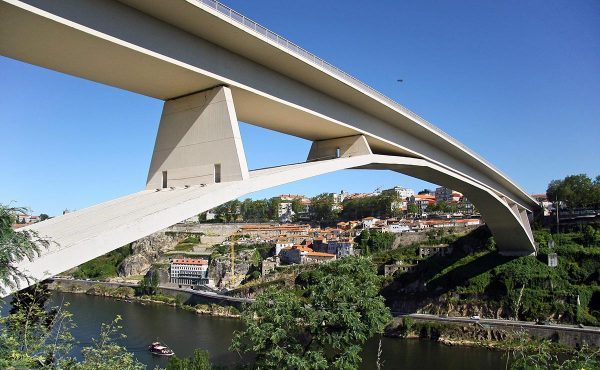 The Infante Dom Henrique bridge over the Douro River as it passes through Porto.
