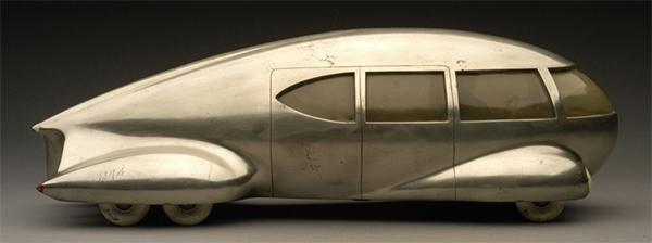 Norman Bel Geddes's teardrop-shaped vehicle