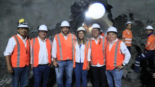 El equipo de la construcción del túnel de La Paz