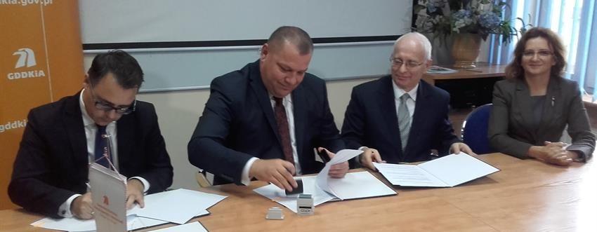 Budimex firmando contrato para la carretera s7 Polonia