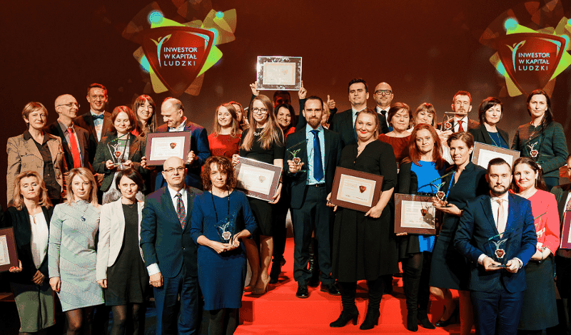 Budimex employees celebrate their Investor in Human Resources award