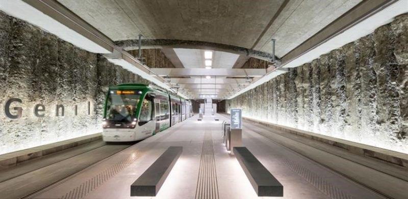 granada metro station wins at fad awards
