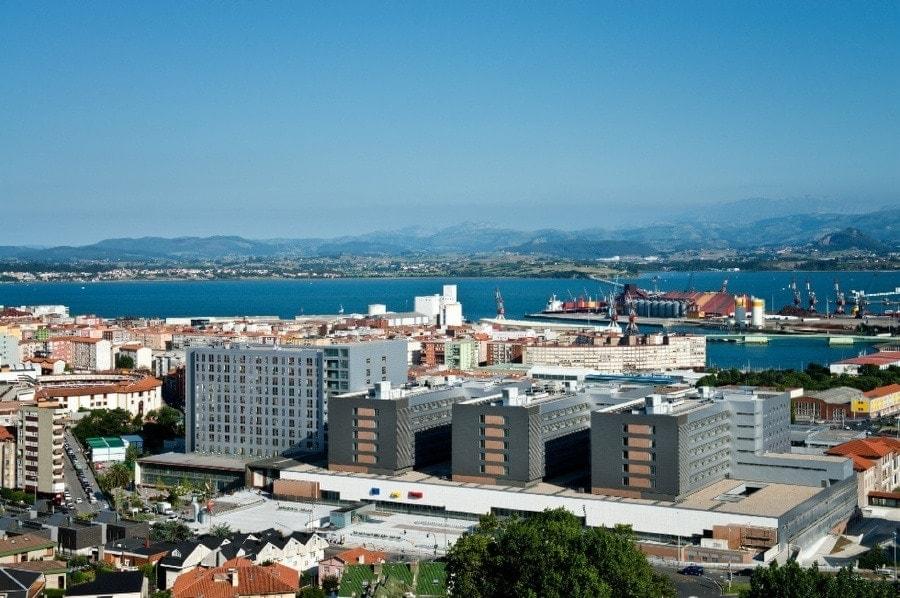 Exterior view of the Smart Hospital Cantabria