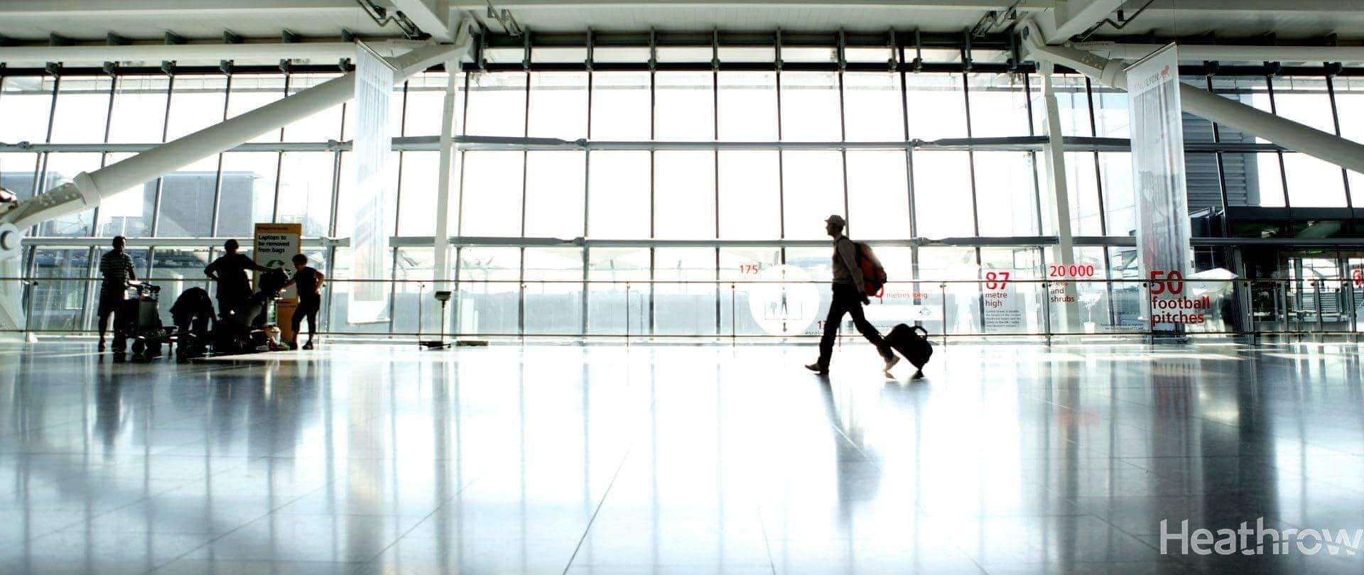 air-pic-heathrow_t5a-passenger_walking_through_departures_hall-ferrovial