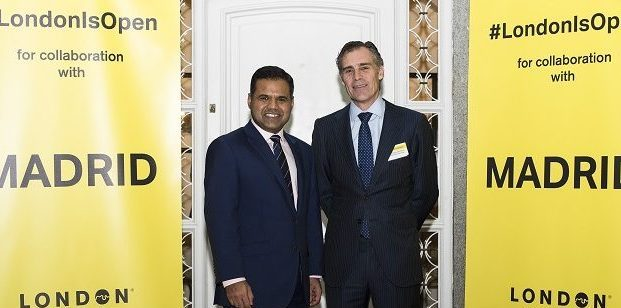 Rajesh Agrawal, Deputy Mayor of London for Business, y Santiago Olivares, consejero delegado de Ferrovial Servicios, en Londoners' Lab, reciclaje en Londres