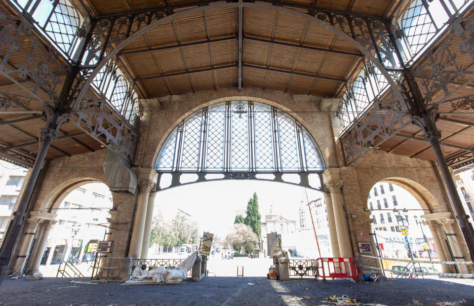 Interior de la obra de rehabilitación del Mercado Central de Zaragoza