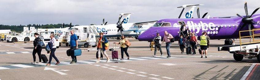 Pasajeros en el aeropuerto de Southampton