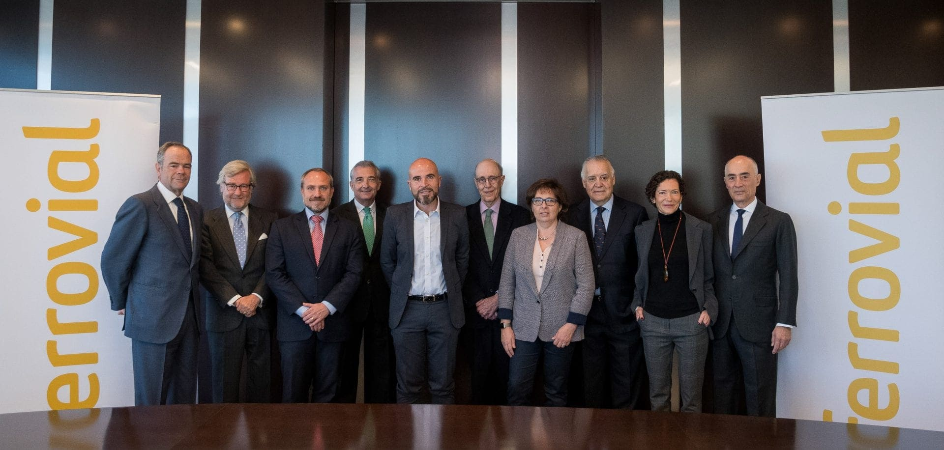 From left to right: Íñigo Meirás, CEO of Ferrovial; Benjamín Aparicio, Chairman of World Vision; Javier Ruiz, Manager Director for Spain of World Vision; José Ignacio Caballero, Chairman of the Delagte Commission of Fundación Altius; Pablo Aledo Martínez, Manager Director of Fundación Altius; José Luis Leal, Chairman of Acción Contra el Hambre; Carmen Gayo, Communication and Fundraising Director of Acción Contra el Hambre; Jaime Montalvo, Chairman of Ayuda en Acción; Marta Marañón, External Affairs Director of Ayuda en Acción; and Rafael del Pino, Chairman of Ferrovial.