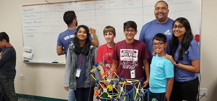 estudiantes participan del proyecto LBJ Express