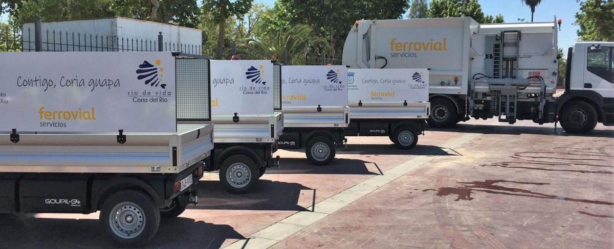 Imagen de los nuevos camiones de recogida de residuos de Coria del Rio