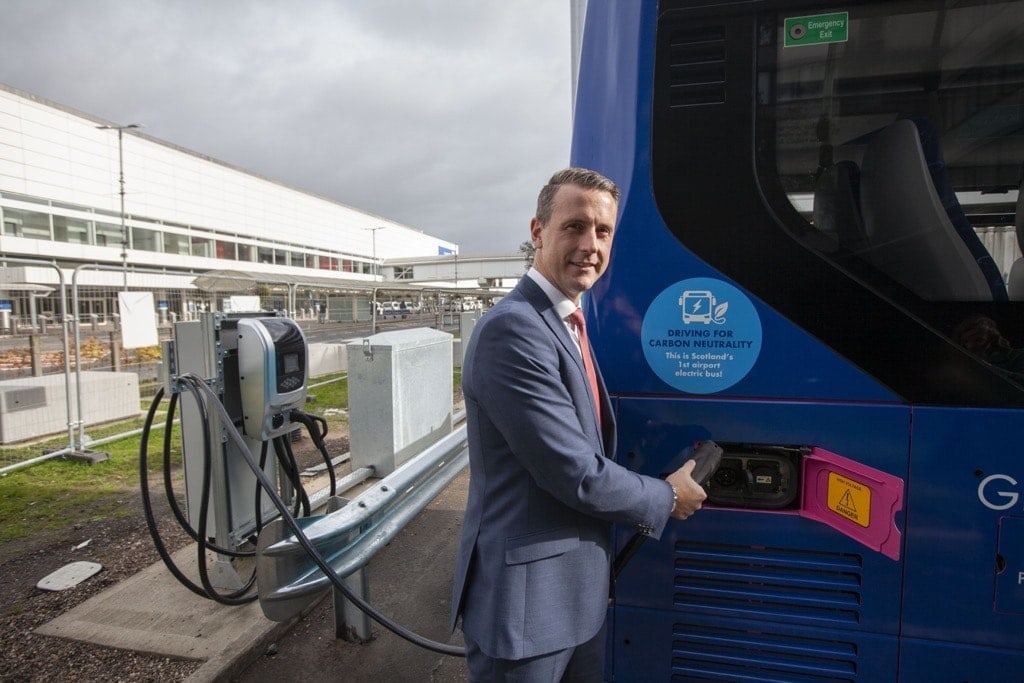 Image of the presentation of electric buses that will operate at Glasgow airport