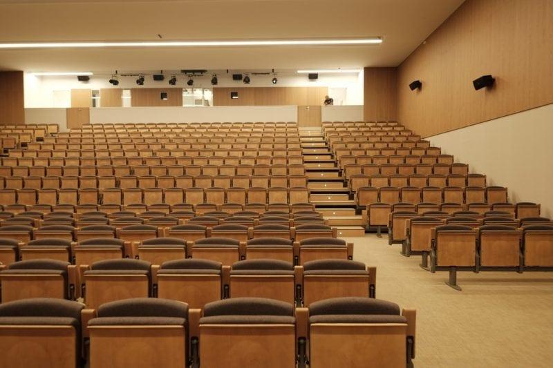 Image of the main hall of the Paraninfo of the Cardenal Herrera University of CEU