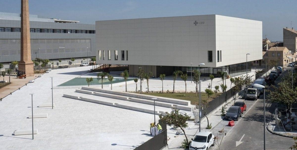 Image of the exterior of the Paraninfo of the Cardenal Herrera CEU University