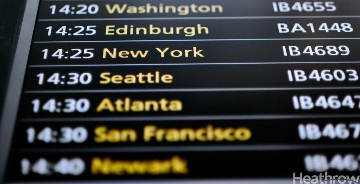 Pantalla de vuelos del aeropuerto de Heathrow