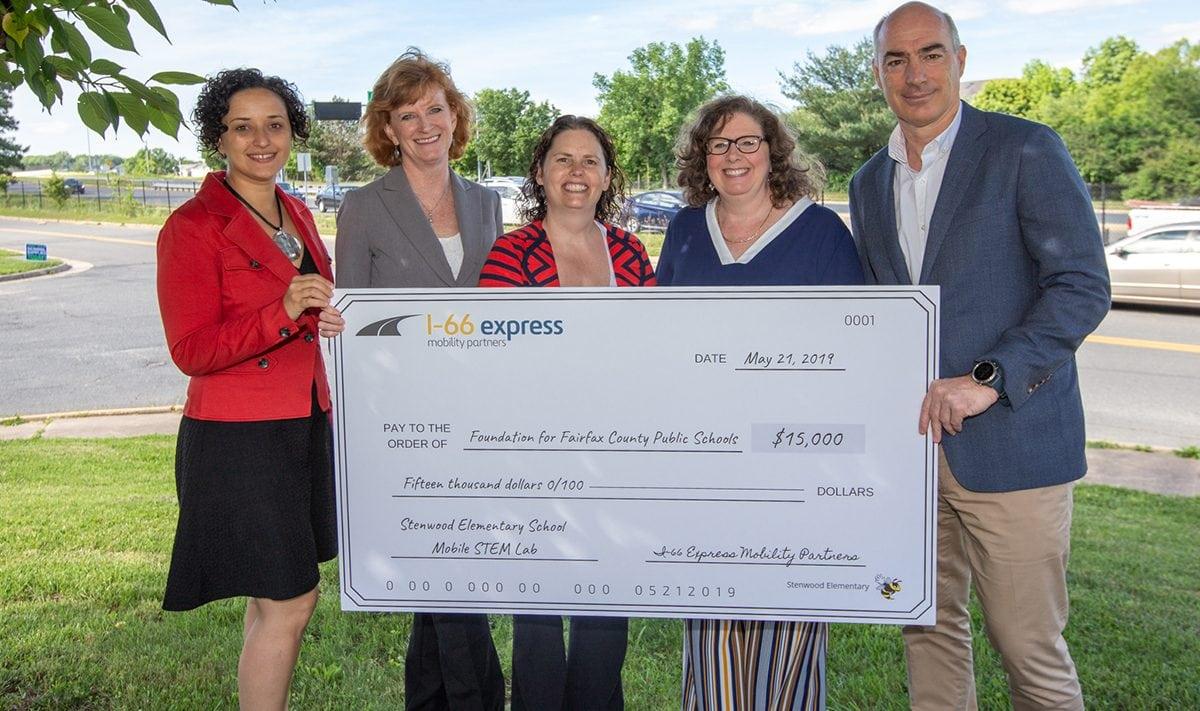 La autopista I-66 Express promueve la formación STEM en las escuelas públicas de Fairfax, Virginia.